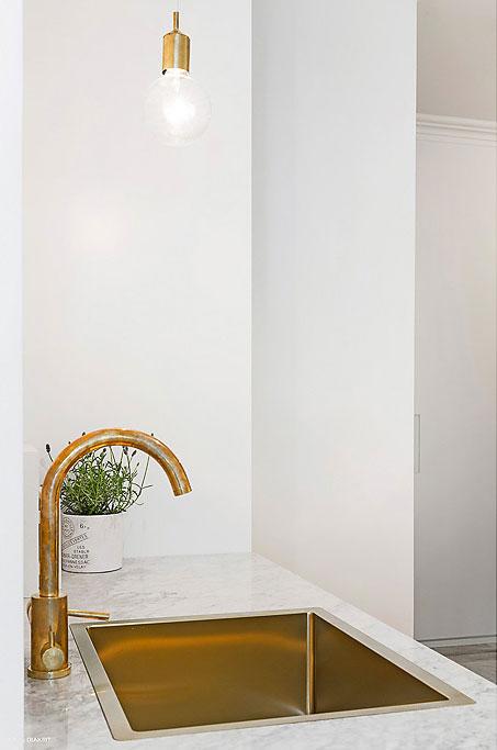 Modern Scandinavian apartment in Stockholm 012