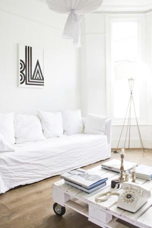 London Minimalist House Living Room
