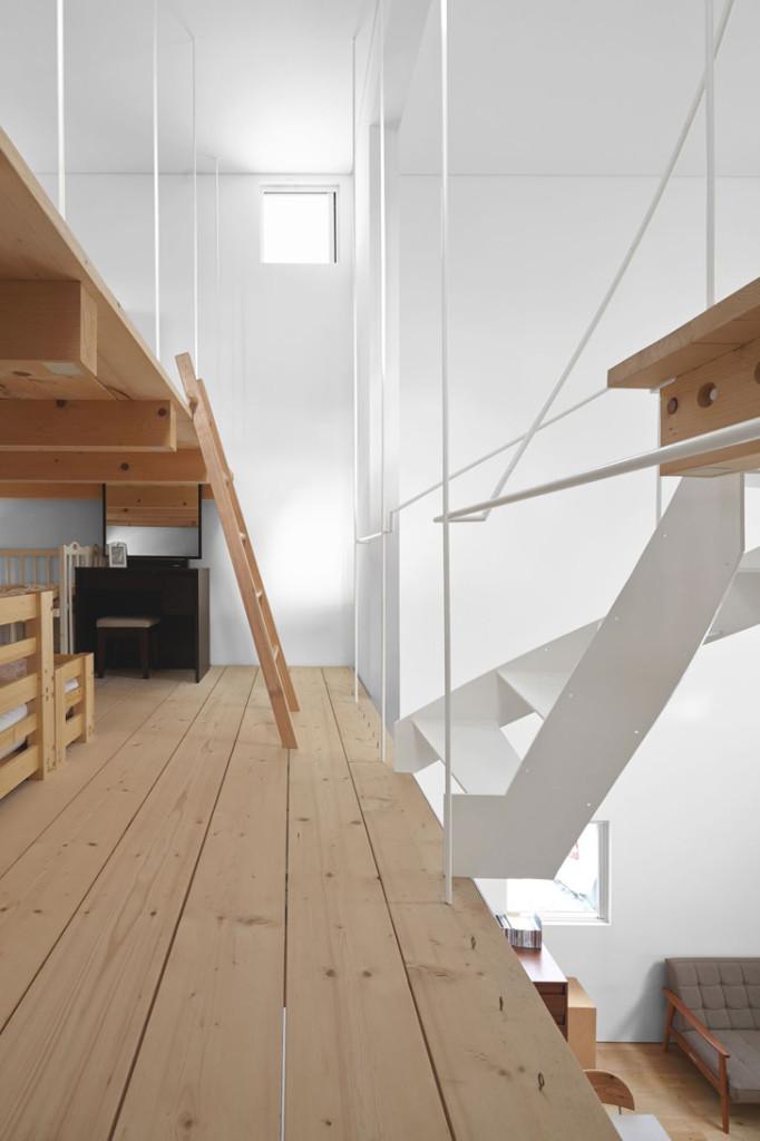 Case-Residence-by-Jun-Igarashi