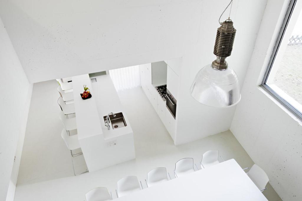 NEU 31 apartment studio space by Superblock 09