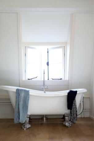 Dutch Loft Freestanding Bathtub