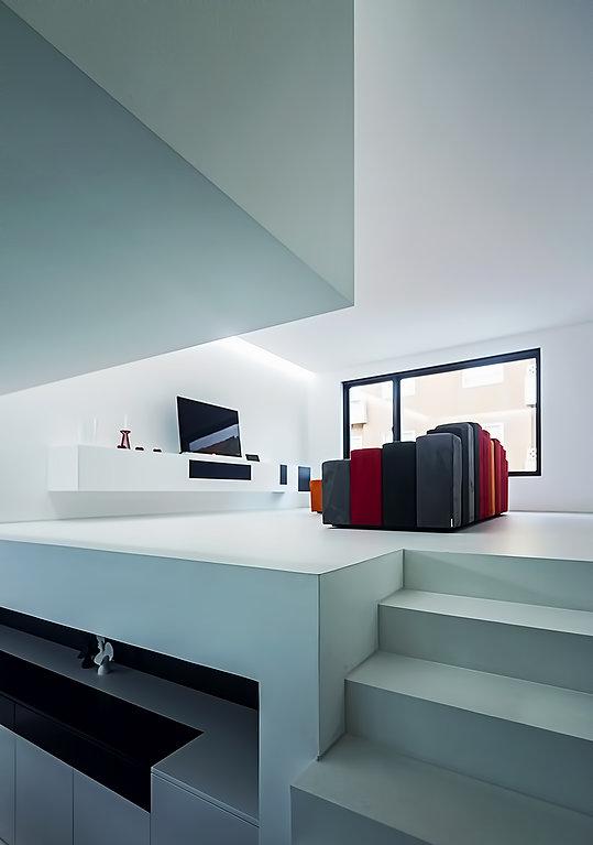 House halffloors by Sousa e Lopes 03