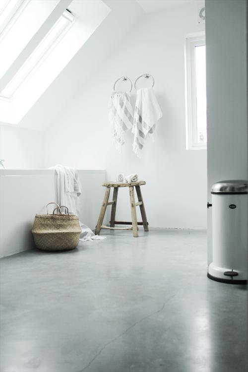 Fascinating Scandinavian Bathroom 01