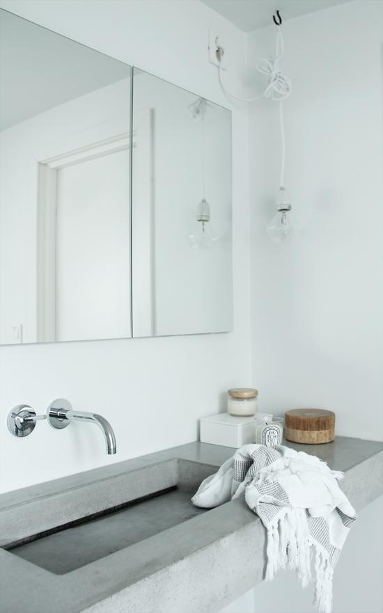 Fascinating Scandinavian Bathroom 02