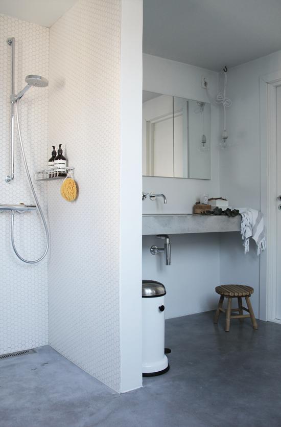 Fascinating Scandinavian Bathroom 03