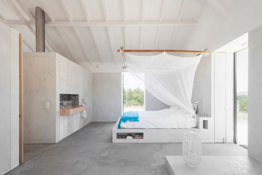 Sitio da Leziria - Stable Conversion Bedroom by atelier DATA 06