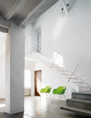 Minimalist Stair in Rusitc House