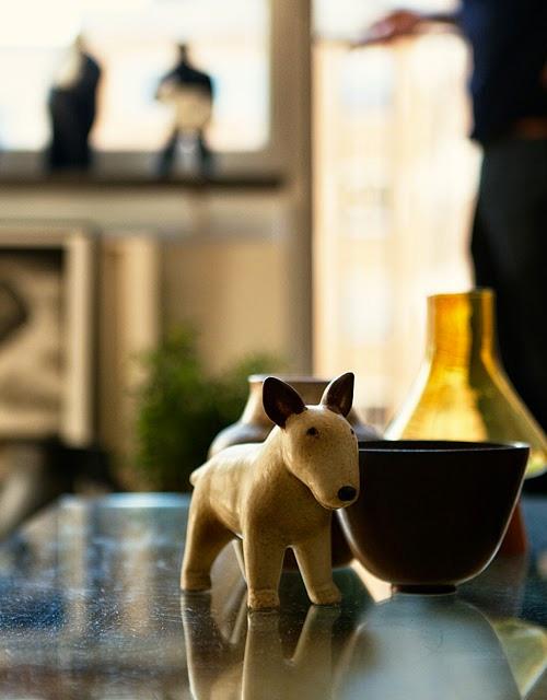 Wood dog Bull Terrier