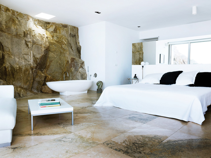 Cliff House Bedroom in Tamariu by Jordi Garces 14