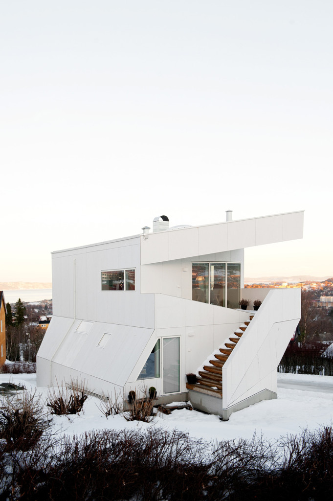 Polite House by JVA 12