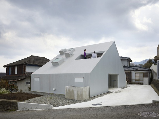 Cloudy House by Takao Shiotsuka Atelier 05