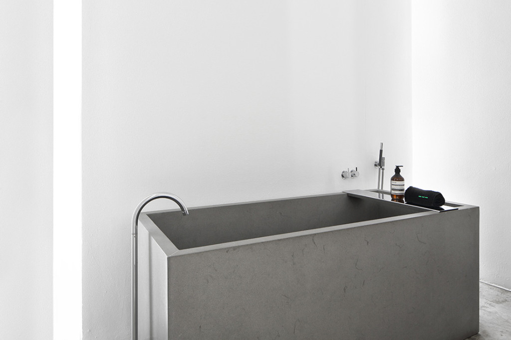 Lo Spazio Freestanding Bathtub by Davide Lovatti 10
