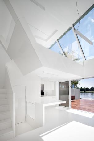 40 sqm White Loft