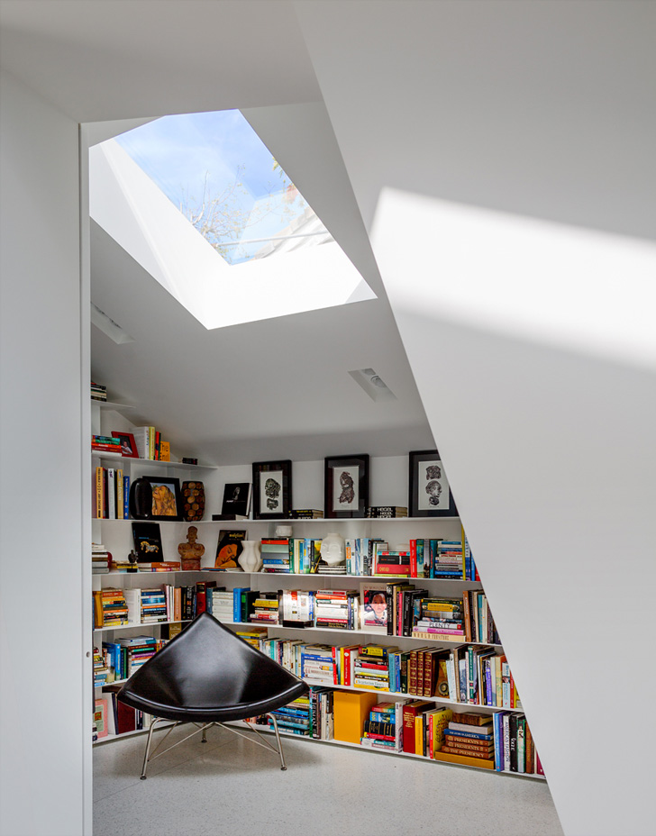 Montee Karp House Private Library by Tighe Architecture 12