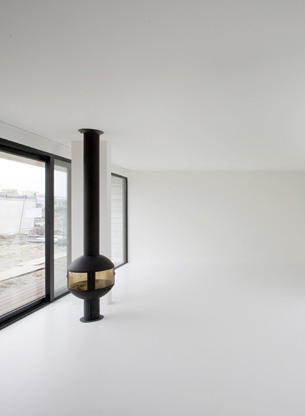 Fireplace Ball in White interior