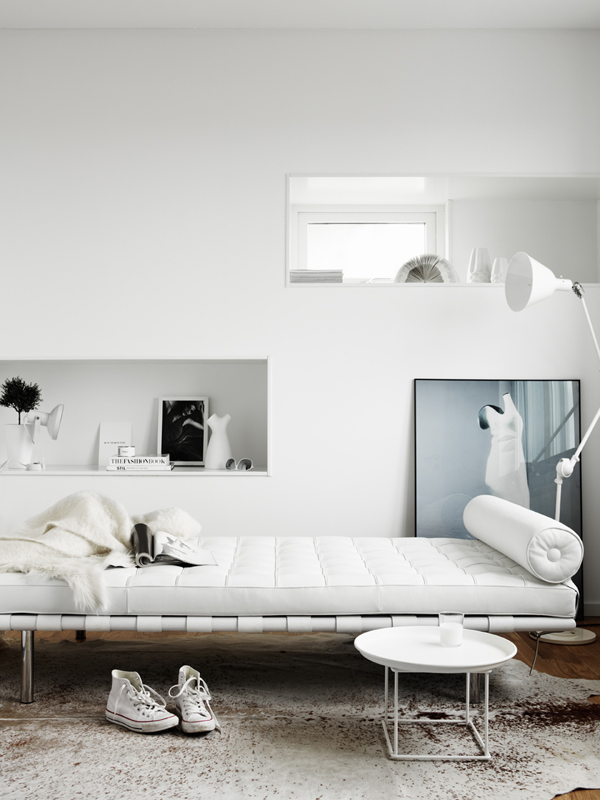 All White Daybed room