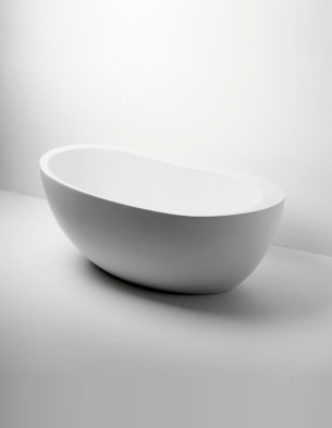 Elegant Freestanding Soaker Bathtub