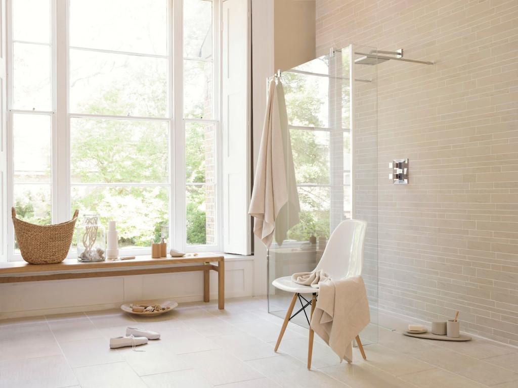 Warm pattern Scandinavian bathroom