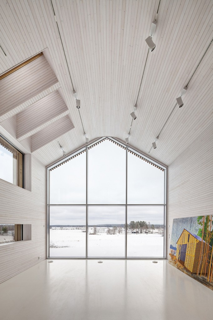 House Riihi by OOPEAA-Office for Peripheral Architecture Glass Certain ©Jussi Tiainen