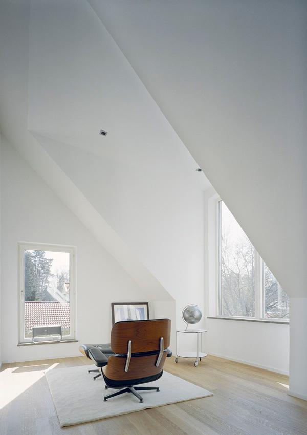 Sloping roofs Workspace Living Corner