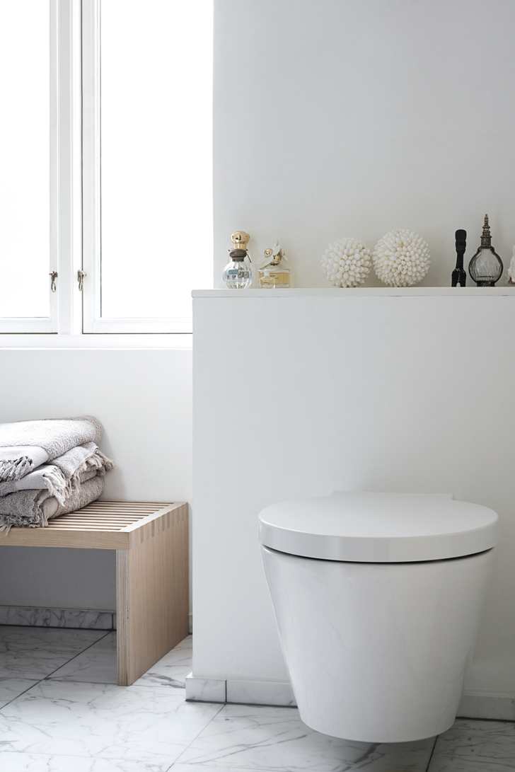 floating-toilet-in-white-bathroom