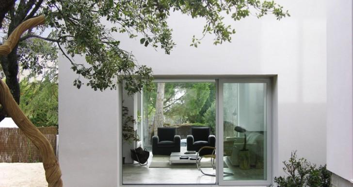 Casa Del Pico Spain / ÁBATON Arquitectura