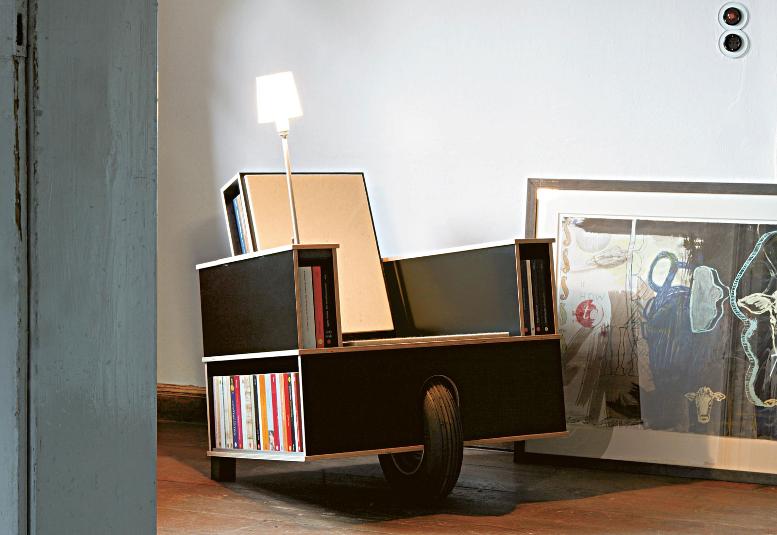 bookinist reading chair by nils holger moormann 002 ideasgn. Black Bedroom Furniture Sets. Home Design Ideas