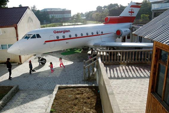 Aeroplane-transformed-into-kindergarten-Georgian-001