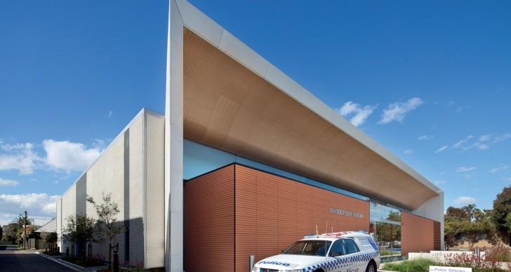 Bayside Police Station / FJMT