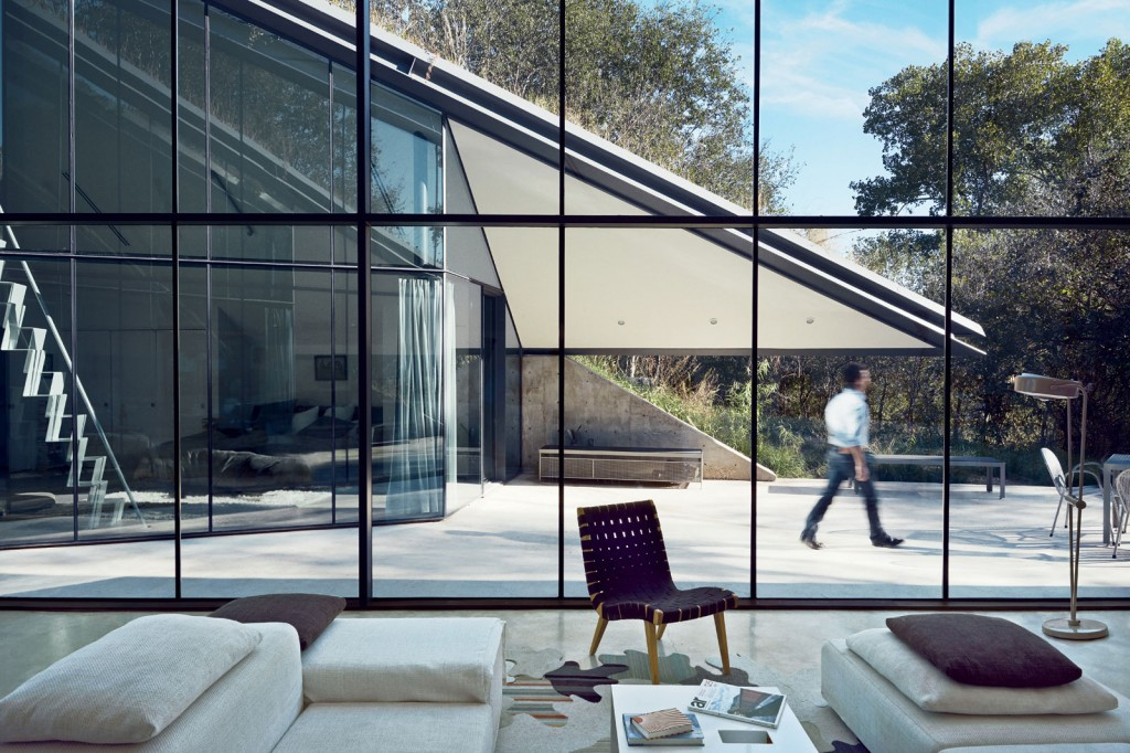 Edgeland House Texas by Bercy Chen Studio 010