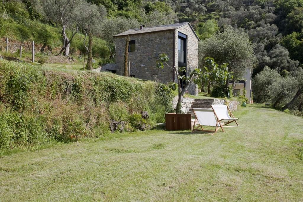 Farmhouse-Restoration-Riomaggiore-Italy-Garden