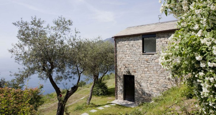 004 Farmhouse Italy / A2BC Architects