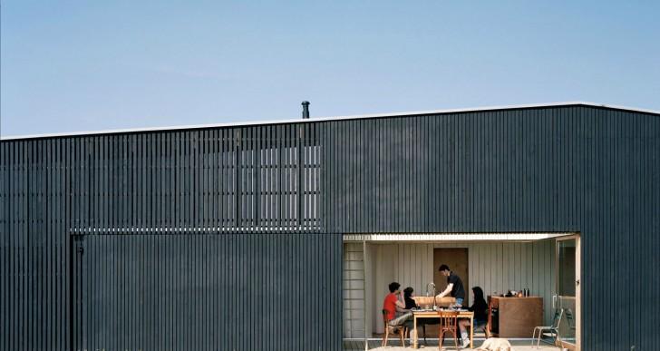 Oyster Farmer Hangar / Raum Architects