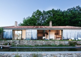 Country Stable Renovation / ÁBATON Arquitectura