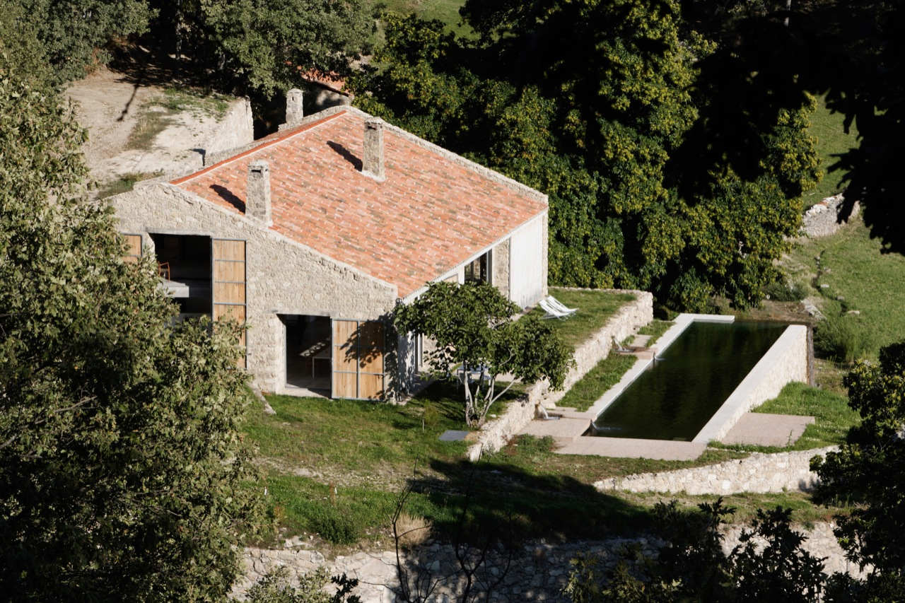 Country House Renovation In Extremadura By ÁBATON Arquitectura 013