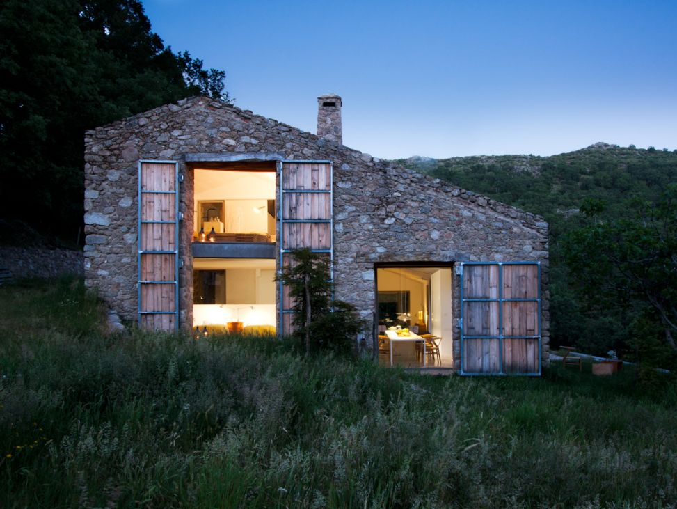Country House Renovation in Extremadura by ÁBATON Arquitectura 017