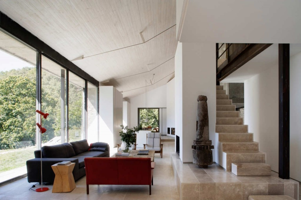 Country House Renovation in Extremadura by ÁBATON Arquitectura 026