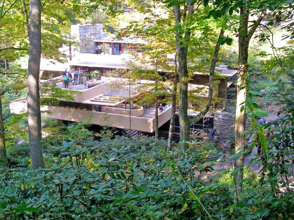 Fallingwater by Frank Lloyd Wright 001