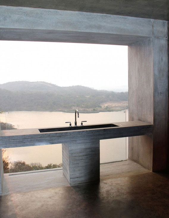 Gota-Dam-Residence-by-Studio-Seilern-Architects-003a
