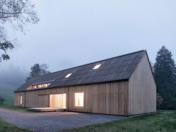Haus-am-Moor-Krumbach-by-Bernardo-Bader-003a