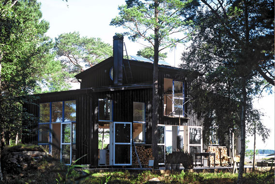 Swedish-Summer-Cabin-Carouschka-Streijiffert-001