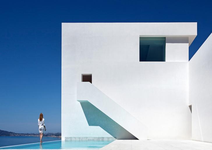 Casa del Acantilado / Fran Silvestre Arquitectos