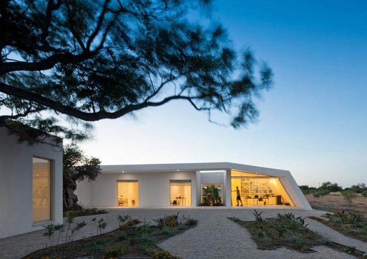 House in Tavira / Vitor Vilhena Architecture