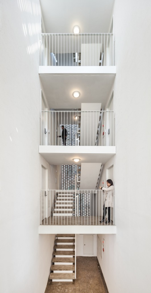 mix-use Apartmant in Seoul by OBBA