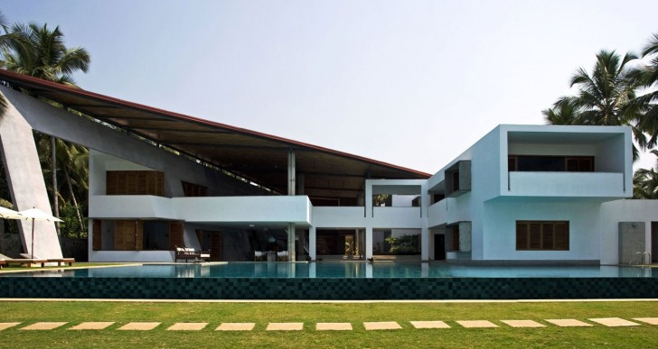 Cliff House in Kerala / Khosla Associates