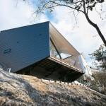 Cliffhanger K House Nisshin city by D.I.G Architects 001