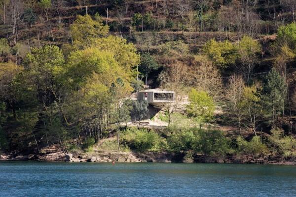 House in Gerês by Correia Ragazzi Arquitectos 010
