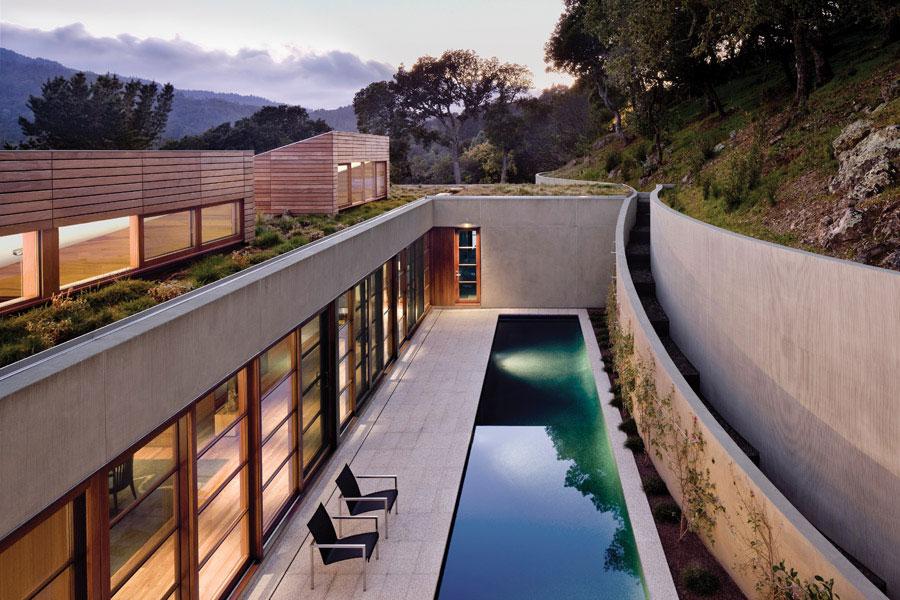 Kentfield hillside residence turnbull griffin haesloop for Hillside architecture