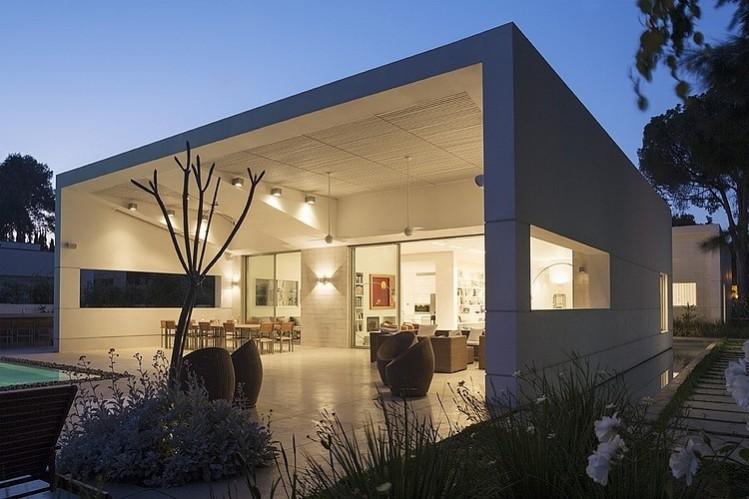 Savion House In Israel By Tsionov Vitkon Architechts 006