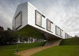 The Balancing Barn / MVRDV